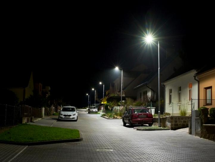 Obec Česká u Brna – pouliční osvětlení